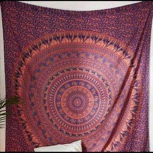 """UO Home tapestry 84""""x100"""" brand new"""